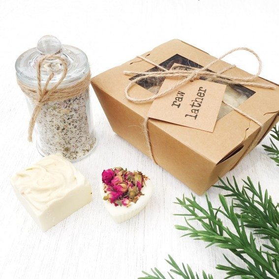 Twig-and-feather-foot-rub-gift-set